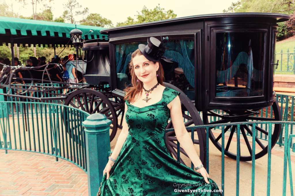 Dapper Day Haunted Mansion Disneybound Green Dress bat stanchion necklace, handmade bat necklace, cast bat choker, gothic bat maid costume, PhoenixFire Designs, where to buy, purchase bat necklace, haunted mansion cosplay, hm costume, etsy